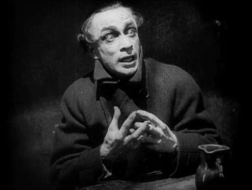 The Hands of Orlac - inside