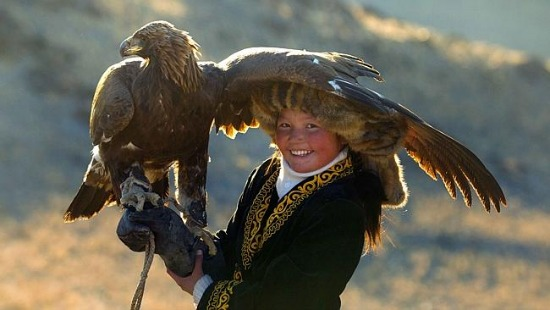 the-eagle-huntress-inside