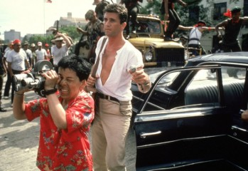 THE YEAR OF LIVING DANGEROUSLY, Linda Hunt, Mel Gibson, 1982, (c) MGM/courtesy Everett Collection